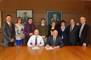 Signature du contrat représentant les assistants de recherche