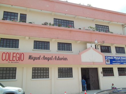 The Miguel Angel Asturias Academy is an alternative primary and high school in Quetzaltenango, the second largest city in Guatemala. / Photo: Carolyne Ménard