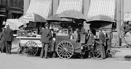 New York City street food vendors, circa 1906.