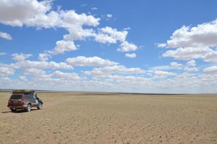 The vast horizon of Mongolia's Gobi Desert. / Photo: Ed Durgan