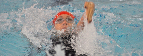 This past weekend, Jennifer Darling was one of seven McGill swimmers to qualify for the CIS championships, bringing the total to 15 qualified swimmers. / Photo: Simon Poitrimolt