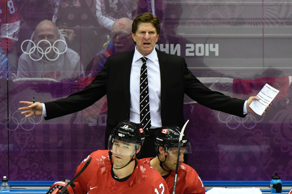 Mike Babcock flashes some of his legendary intensity during Sunday's gold medal game. / Photo: Courtesy Bernard Brault, La Presse