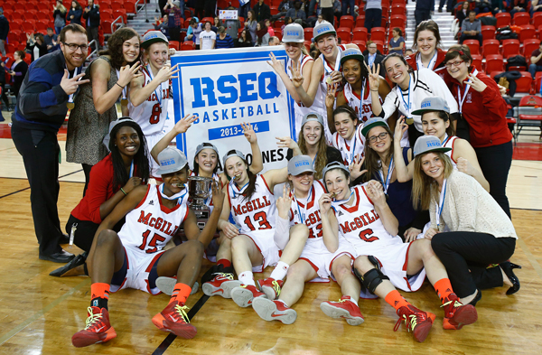 Threepeat! The McGill Martlets pose for a team photo after winning their third-straight RSEQ championship. Photo: Yan Doublet, U.Laval