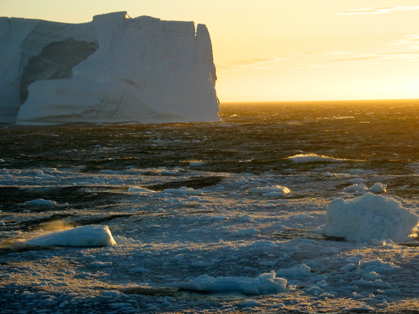 Iceberg floating in the northern Weddell Sea during summer. A layer of sea ice has blanketed the entire Weddell Sea every winter since the Weddell polynya closed in 1976. / Photo: Eric Galbraith