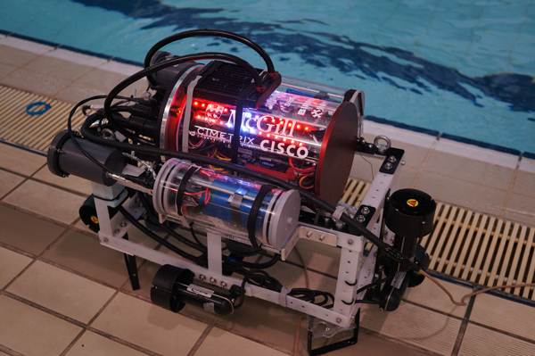 Asimov, McGill Robotic's first Autonomous Underwater Vehicle. / Photo courtesy of McGill Robotics.