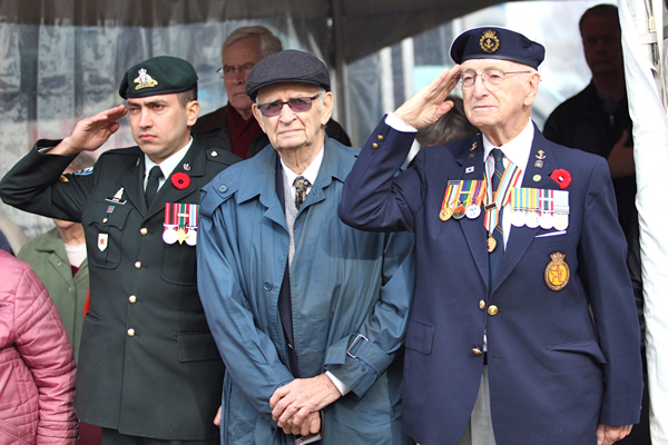 Veterans salute fallen comrades at the Remembrance Day ceremony held at Macdonald Campus on Nov. 6. / Photo: Neale McDevitt