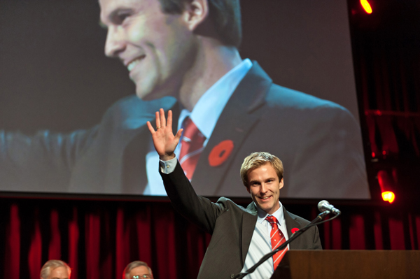 Brian Gallant sported a McGill tie the night he became leader of the Liberal Party in New Brunswick. More recently, he wore the tie for the swearing-in ceremony for the newly elected members of his province's legislature. / Photo: Acadie Nouvelle