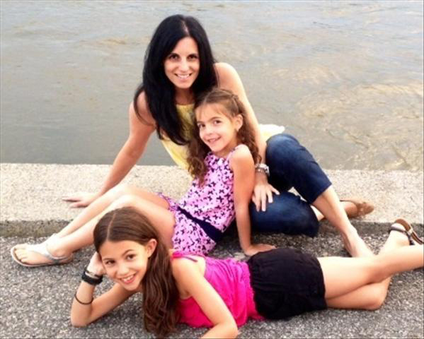 Alessandra Celani and her two daughters. / Photo courtesy of Alessandra Celani.