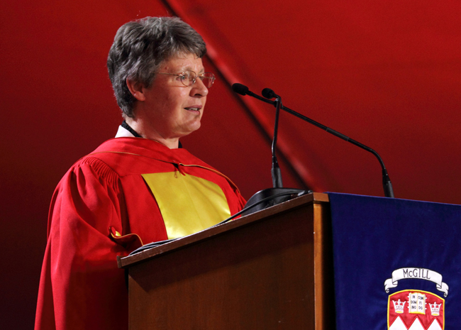 Dame Jocelyn Bell Burnell talks to graduating Arts students. / Photo: Owen Egan