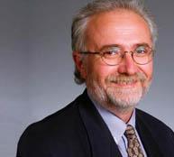 Le Dr André Dascal, professeur agrégé de médecine, de microbiologie et d'immunologie à McGill, et médecin en chef responsable du service des maladies infectieuses à l'Hôpital général juif