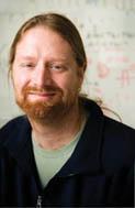 Le Dr Ken Dewar, professeur adjoint de génétique humaine à McGill et chercheur à l'Institut de recherche du CUSM