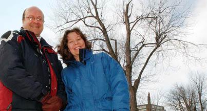 Le professeur de psychiatrie de McGill et chercheur à l'Hôpital Douglas Alain Gratton, avec la directrice du Centre de neurophénotypage Claire-Dominique Walker