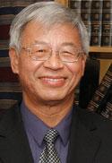 Le professeur émérite Tak-Hang Chan est considéré comme le père de la chimie verte au Canada.