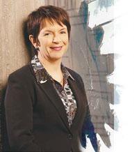 Dans le cadre de sa collaboration avec le gouvernement britannique, Wendy Thomson a révolutionné le fonctionnement des principaux programmes publics.Aujourd'hui, elle met cette riche expérience pratique au service de la gouvernance des démocraties africaines.