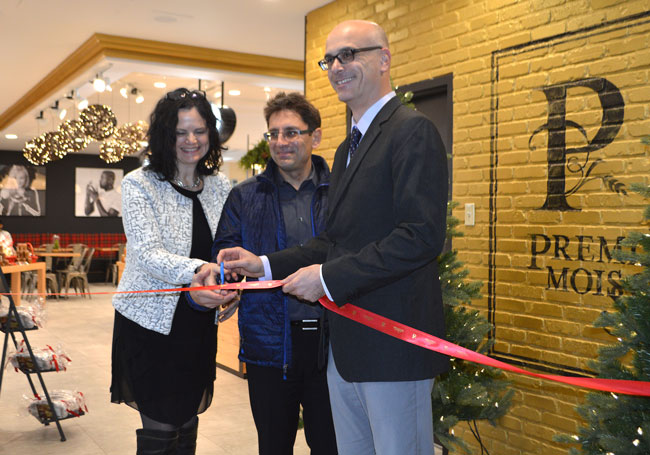 (From left to right) Josée Fiset, VP of Première Moisson's Retail Division; Ollivier Dyens, Deputy Provost (Student Life and Learning) and Mathieu Laperle, SHHS Senior Director at the Dec. 1 launch of the new Première Moisson. / Photo: Carla Russo