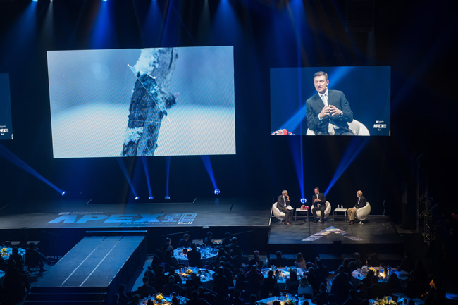 Wayne Gretzky was one of the high-profile speakers at the recent Apex event. / Photo courtesy of evenko