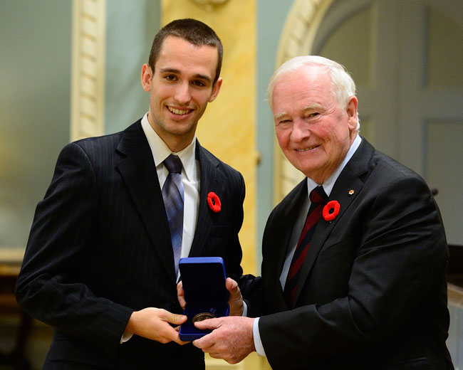 rançois Jarry received his Academic All-Canadian commendation from David Johnston, Governor General of Canada and former McGill Principal and Vice-Chancellor, during a ceremony at Rideau Hall in Ottawa in November.