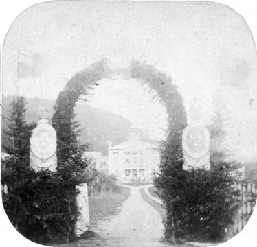 McGill's gates circa 1860. / Photo: McGill Archives