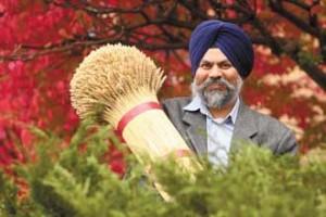 New Plant Sciences professor Jaswinder Singh. / Photo: Owen Egan