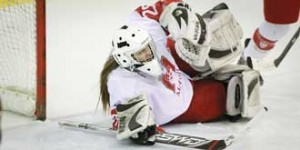 Andrea Weckman earned her first shutout in McGill's 3-0 defeat of Concordia last Saturday. / Photo: Andre Dobrowolskyj